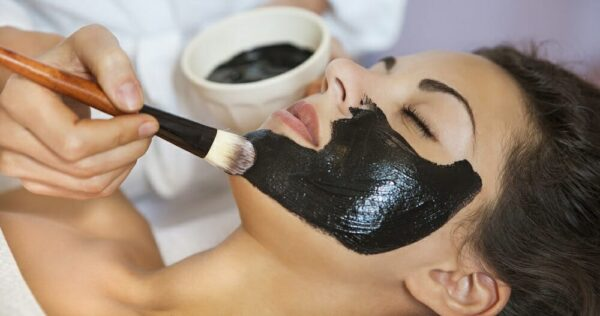 How to apply black charcoal mask